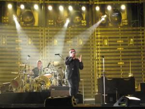U2 2006